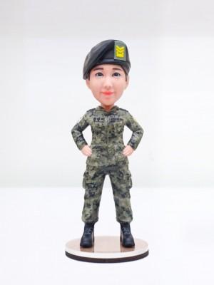 여성 육군 군복 <BR>- 퇴직선물,전출선물,승진선물,감사패,부모님퇴직선물